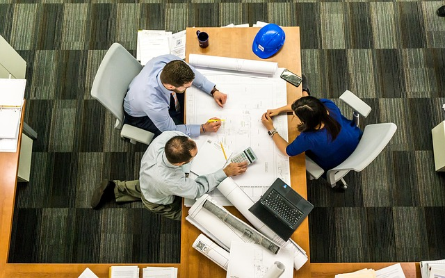 image of architects having a meeting - collegecliffs.com