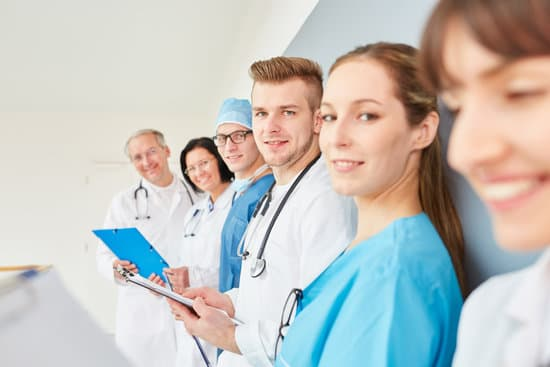 Medicine student or young doctor with apprenticeship group