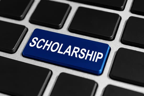 scholarship button on keyboard, education concept