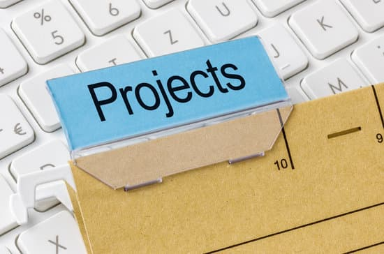 A brown file folder labeled with Projects