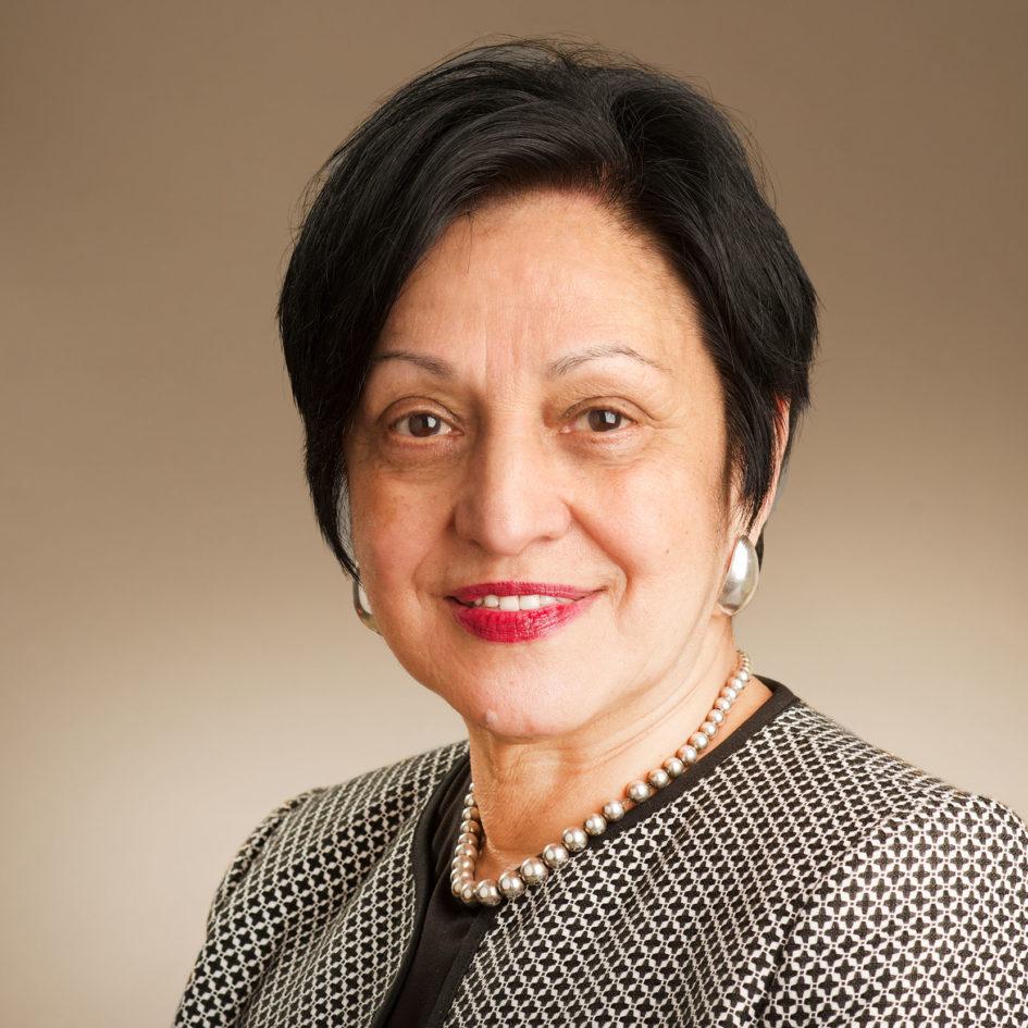 Elsa M. Núñez